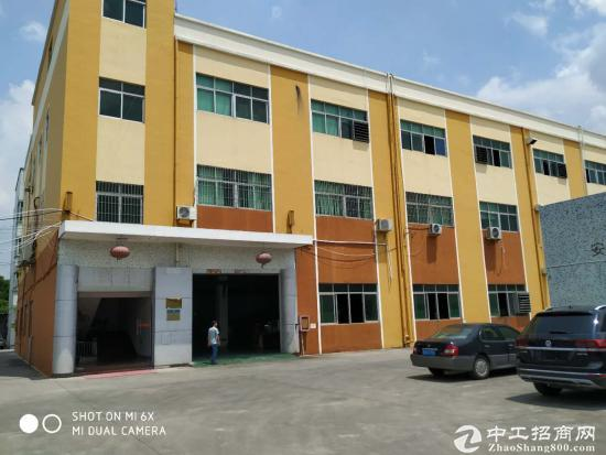 坪山区原房东独院三层厂房、宿舍共计3350平方招租