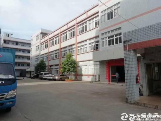 龙岗南联新出厂房一二楼1360平方带装修出租
