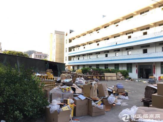 坪山六联新出原房东红本独门独院2000平米