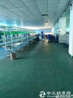 坪地高新产业园区新出楼上1380平米带装修办公室