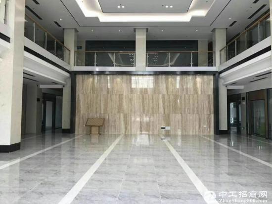坪山 高速出入口全新创业写字楼5000平方出租,77起租