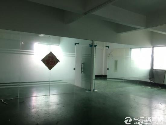 坪山浦桥工业区楼上整层1000平米实际面积原房东