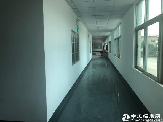 坪山中心主道边工业园二楼2200平米16元出租