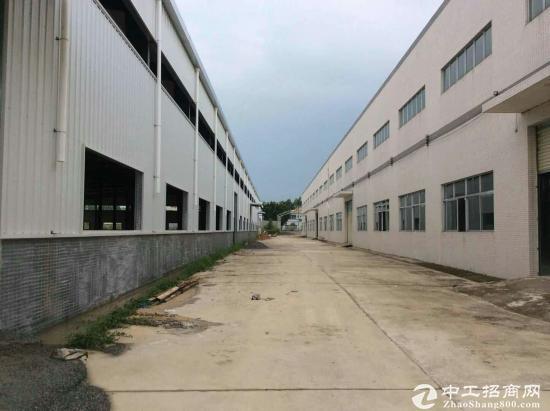 坪山深汕路边上5500平米独门独院钢构厂房出租