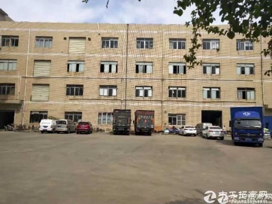 龙岗宝龙原房东厂房1~2层3000平方,带现成装修,水电到位