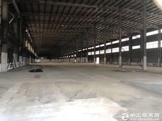 坪地新出物流仓库16000平出租,临高速路口