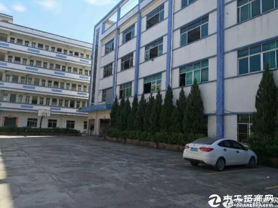 横岗六约二楼1000平带装修带办公室