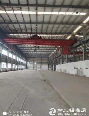 蔡甸单层钢结构厂房1000平方,配20吨行车一台