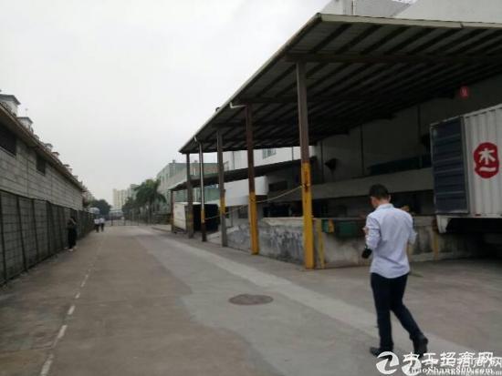 高速出口1到2层5000平方带卸货平台物流仓库