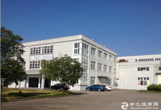 青浦白鹤镇 独门独院 4条主干道环绕 层高7米
