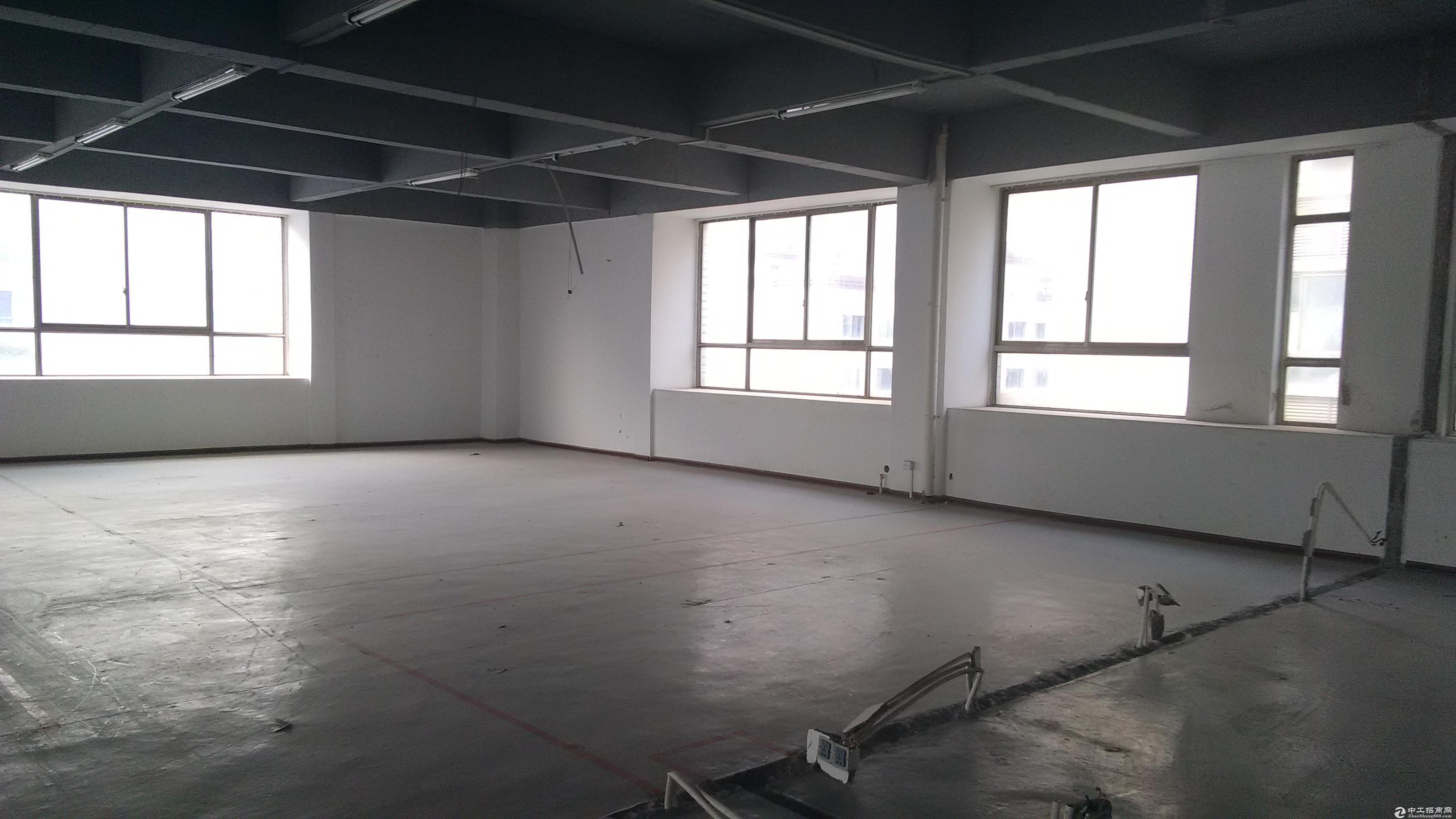 出租黄金创业园611.7平米厂房