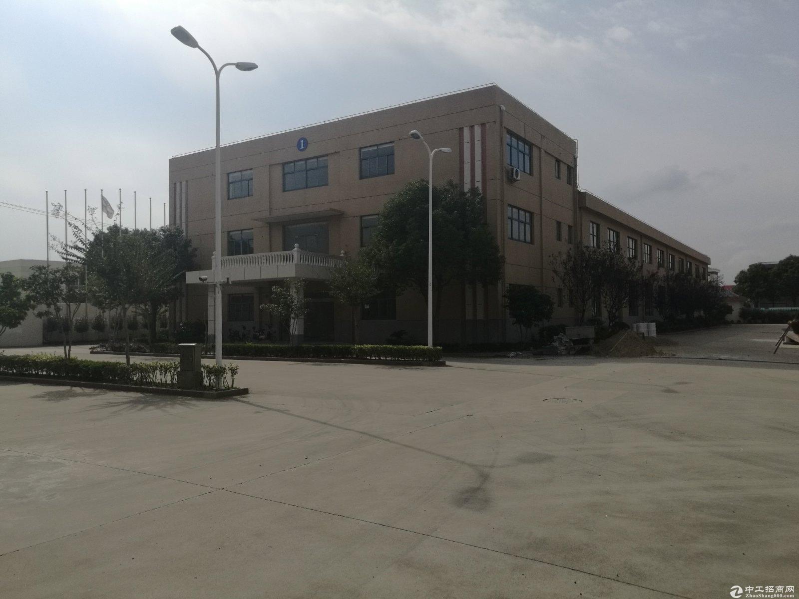 青浦工业园区标准火车头厂房出租2500平