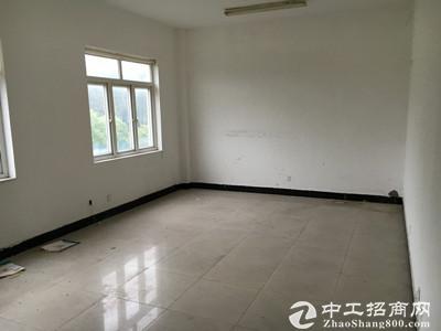 青浦华新3500平方独门独院厂房,交通便利