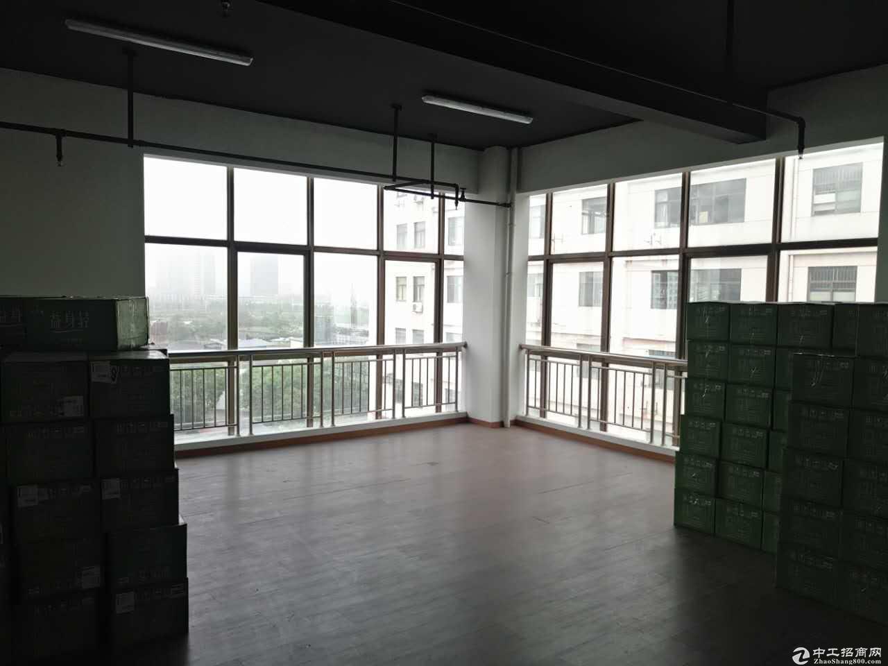 450方厂房 带装修拎包办公 大货梯