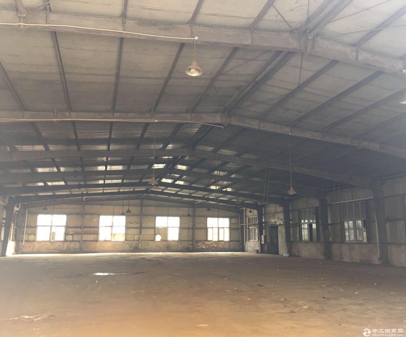 浦东新区祝桥镇盐仓厂房仓库全一楼2900平0.7元
