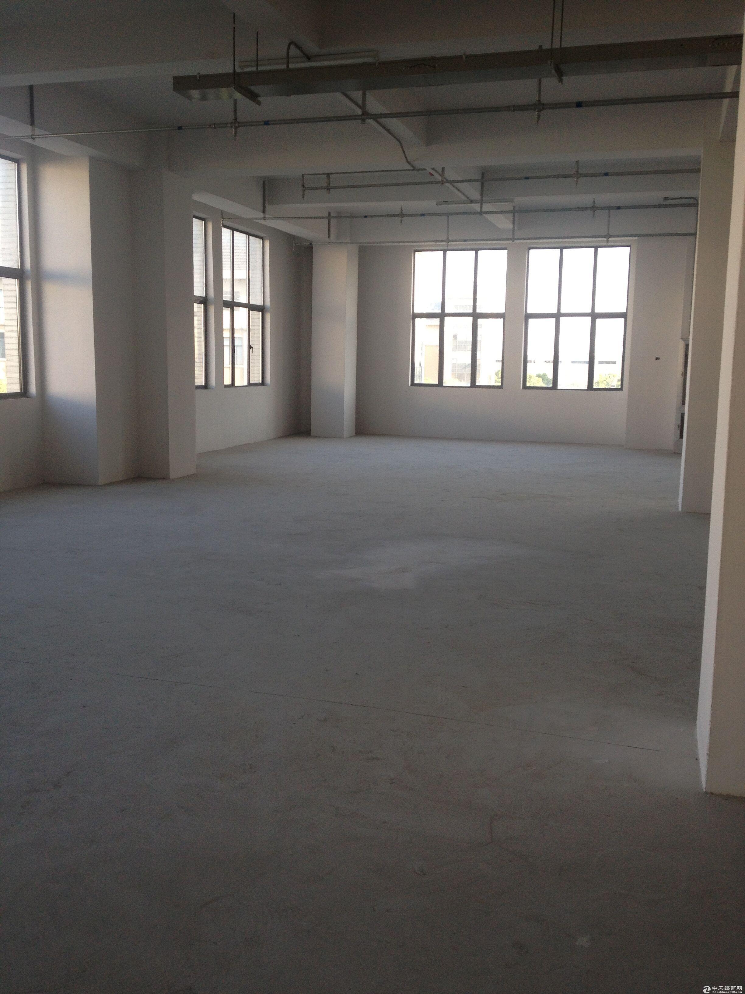 浦江漕河泾新骏环路整层700平米厂房出租