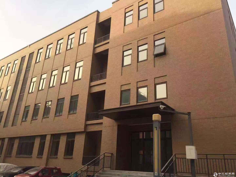 小面积厂房400到800平米,有房本,首付5成可贷
