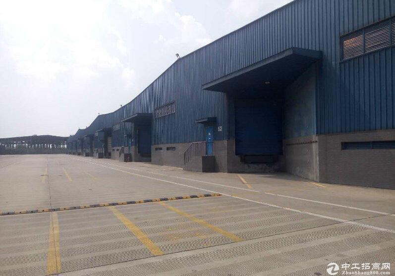 成都市青白江货运大道8000平米仓库出租