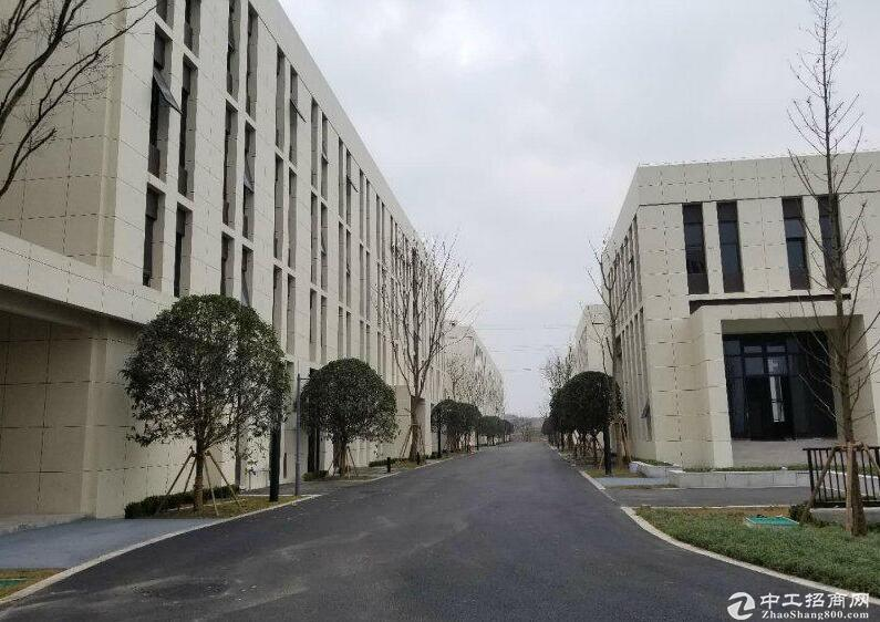 重庆市1800平独栋厂房出租出售,配电,双轻轨。