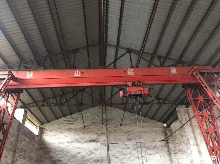 高淳经开区茅山路厂房出租,层高9米,带10吨行车