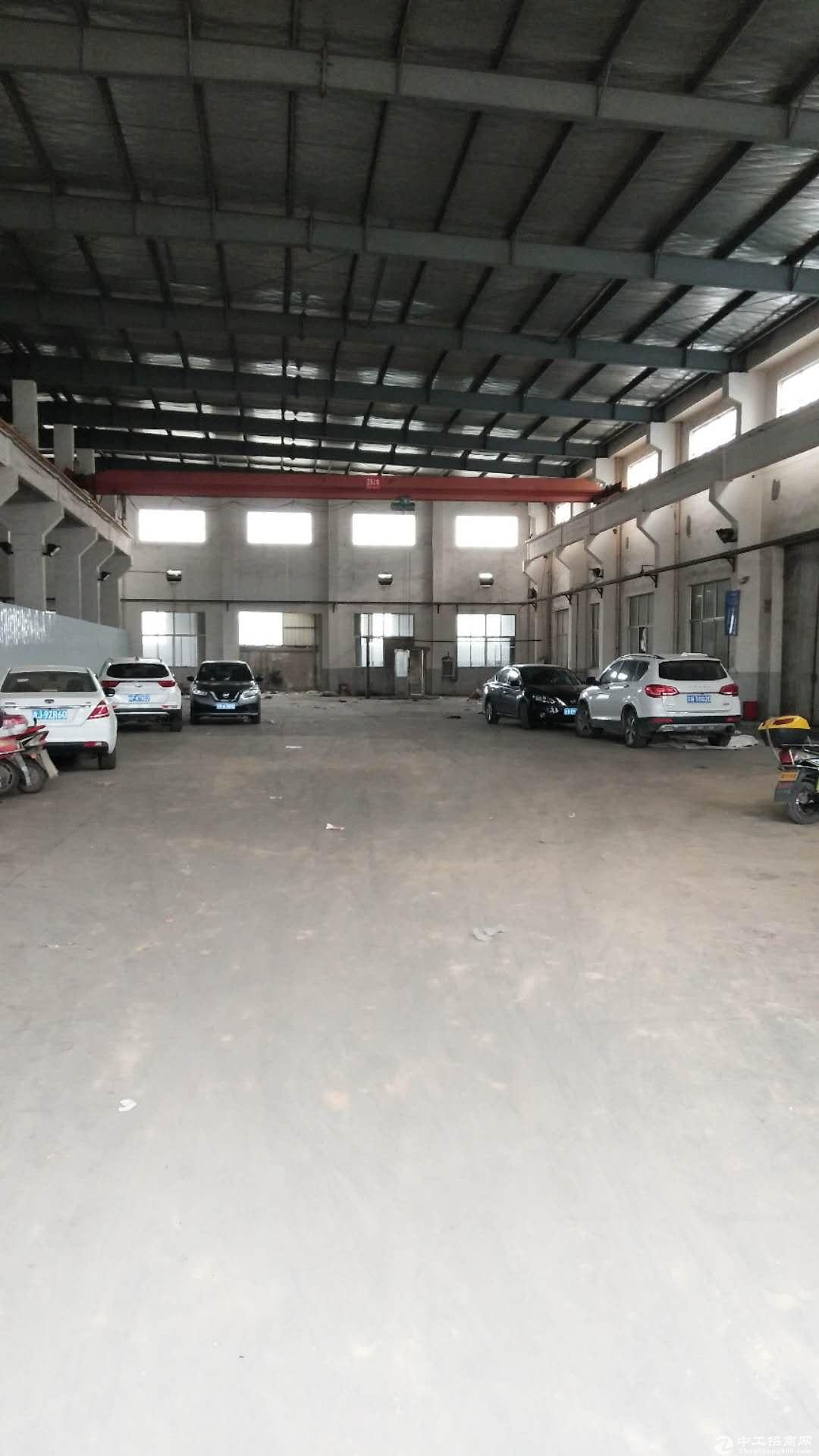 八士工业园一楼厂房仓库800平,5吨10吨行车歌一部