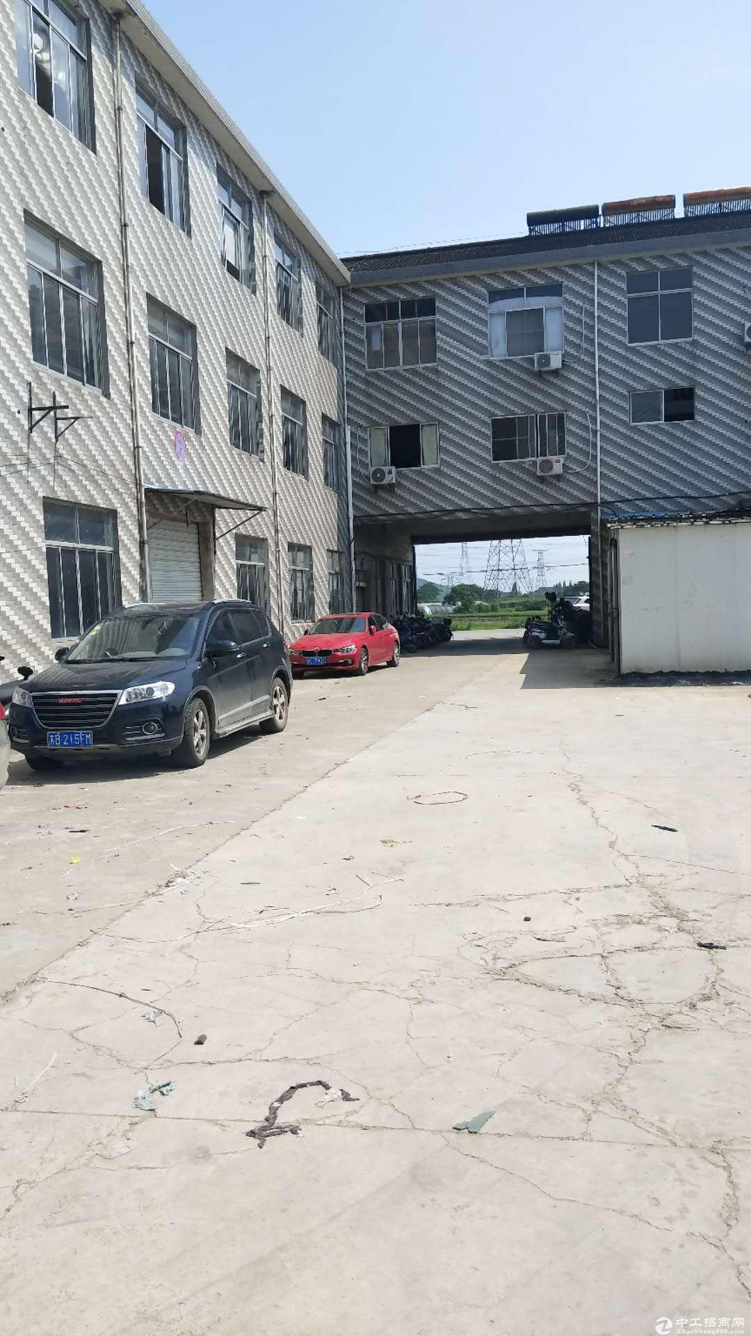 文林一楼厂房仓库800平二楼800平有货梯可分租有办公室宿舍