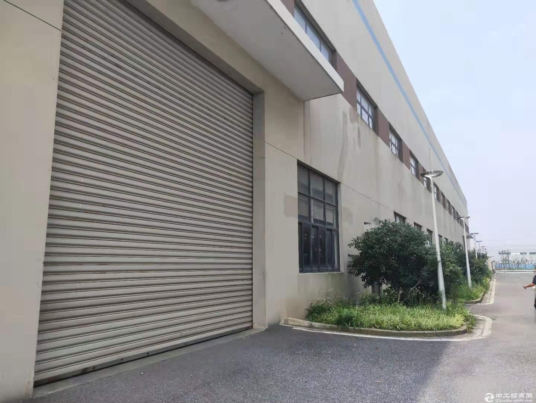 奉浦一房东直租10000平方标准厂房带8部10吨航车