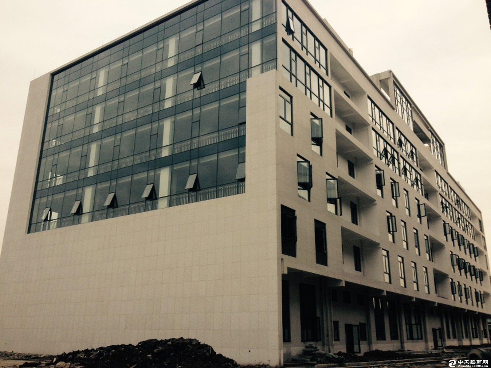 奉贤104地块独门独院占地23亩层高7米绿证50年
