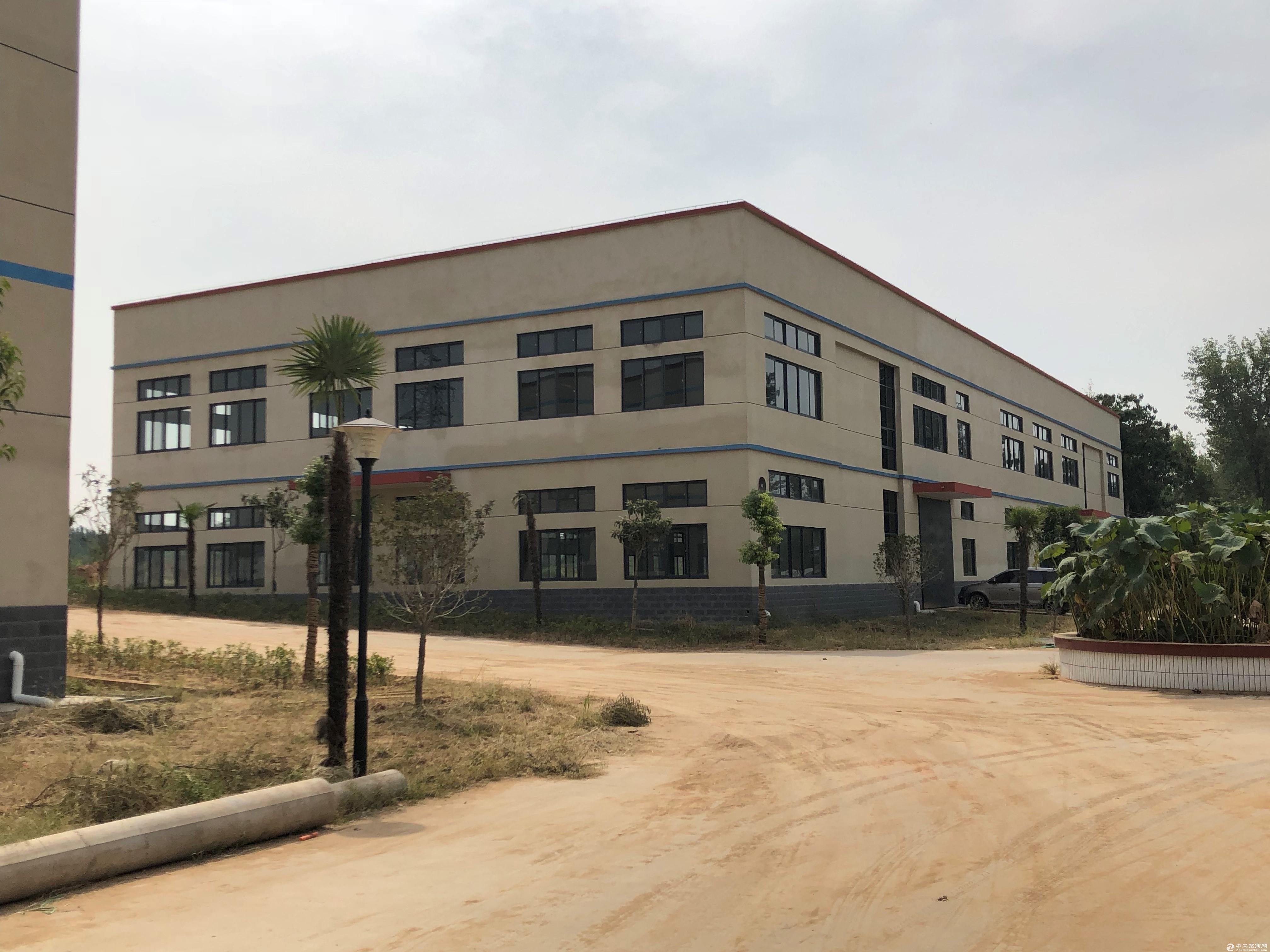 庆安路与众创路交口东南侧,2层厂房出租,配套全