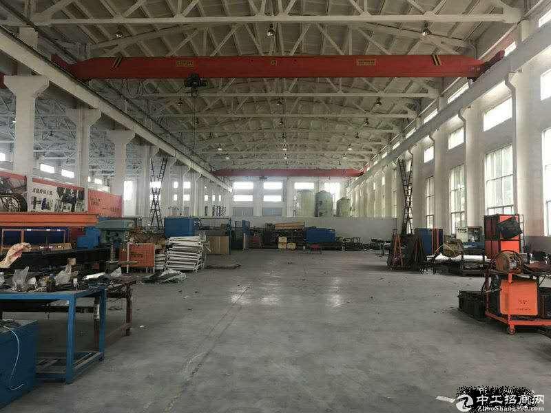 张泾独立厂房仓库2500平高12米有行车