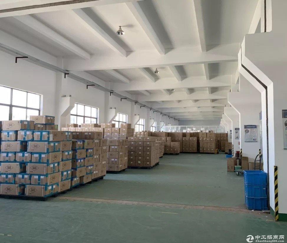六灶底楼2800平厂房出租可仓储电商层高8米车辆进出方便