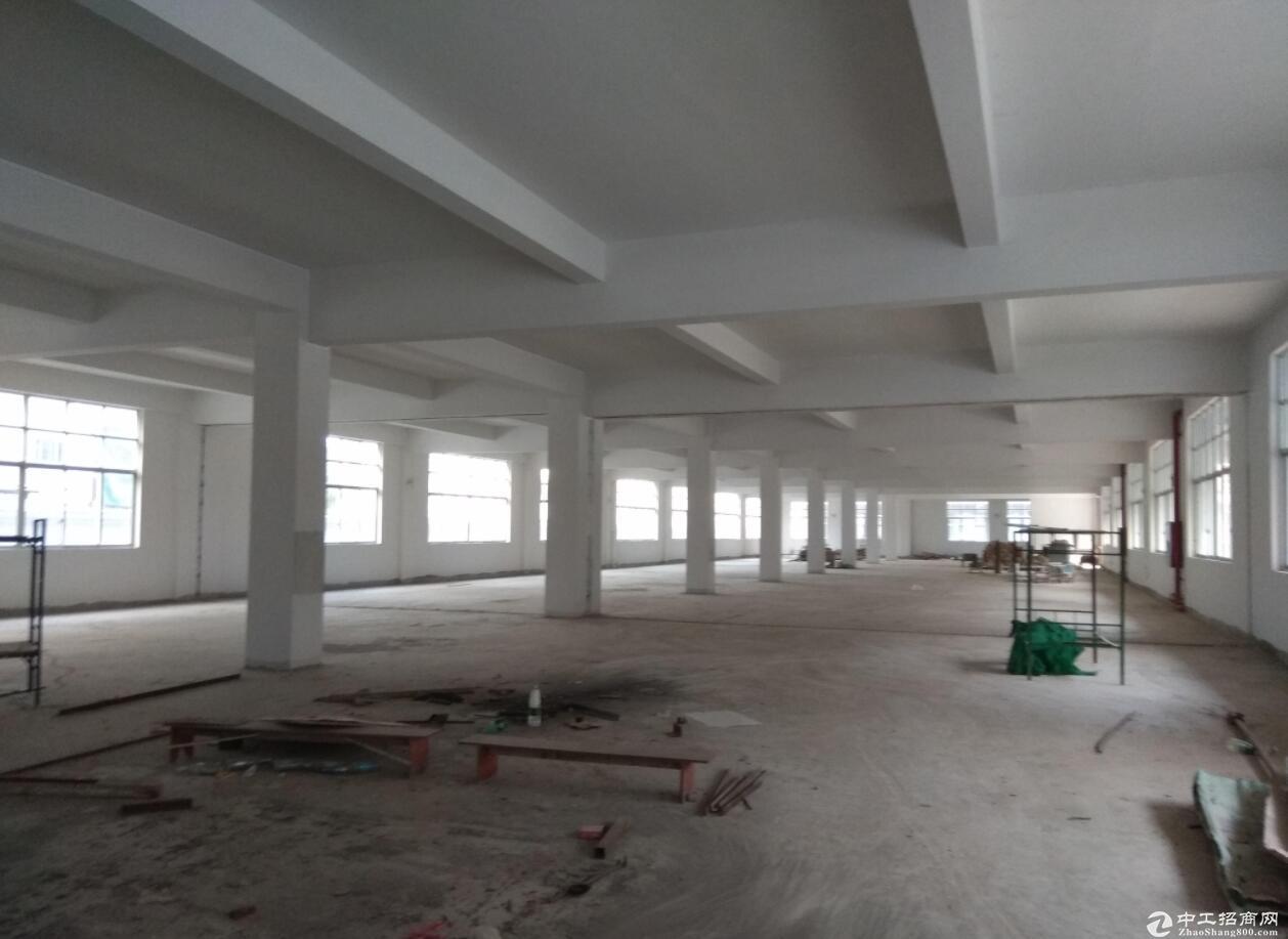 中山火炬10亩建筑10800平方9.5成新厂房出售