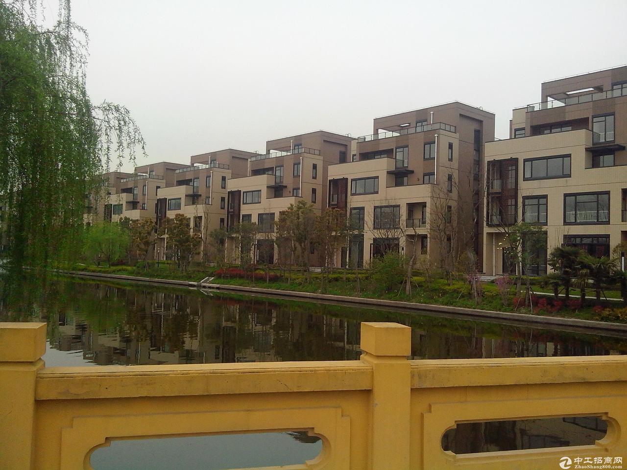 嘉定南翔二期863平方高品质办公仓储研发