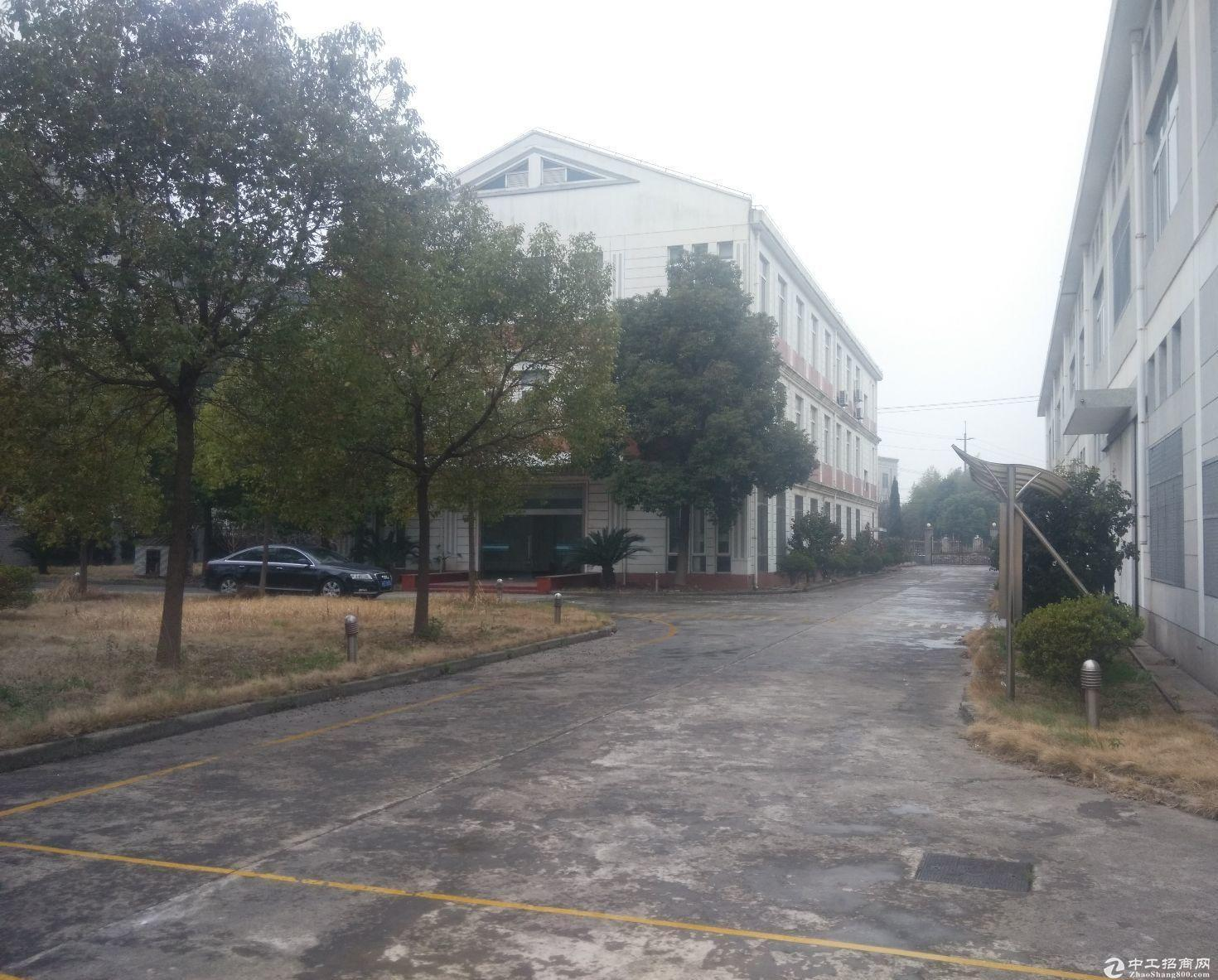 周浦工业区独门独院3700平层高10米可做羽毛球篮球馆等