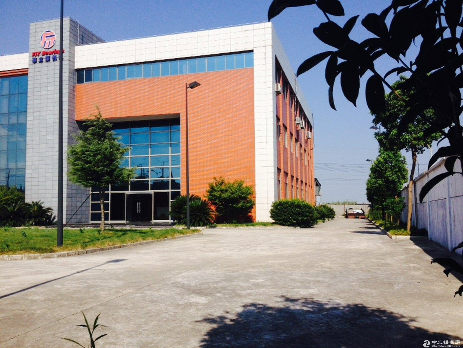 金山朱泾高速口独栋双层工业104板块沿街可生产加工型厂房可投资