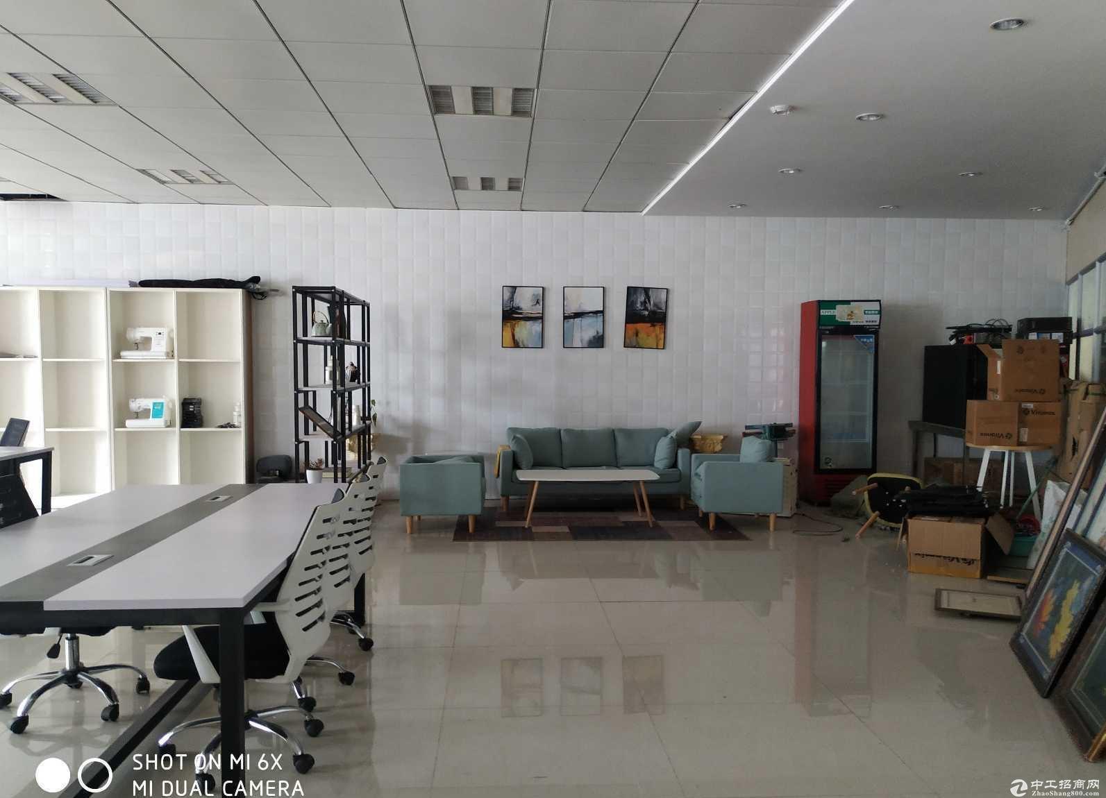 104地块奉贤西渡厂房2430平租金1.1元一楼全单层