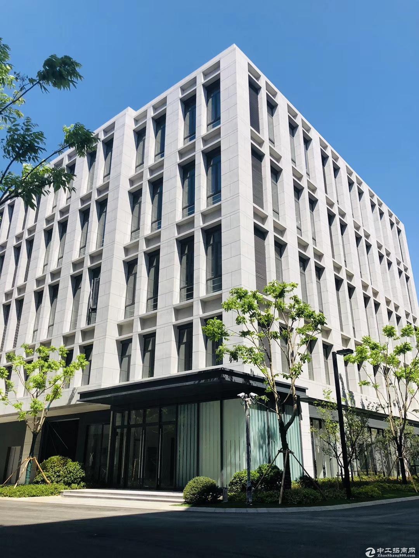 全新独栋3层3200平厂房 有宿舍 可按揭