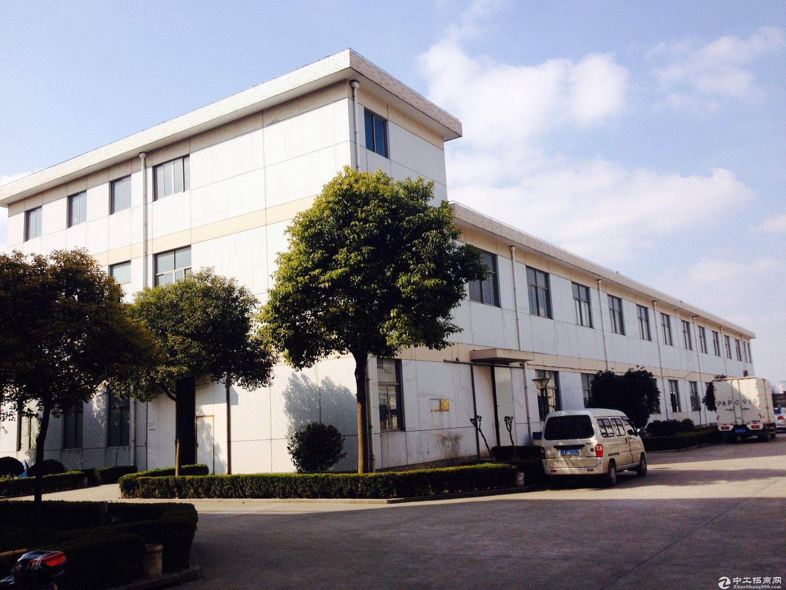 朱泾高速口园区马路边上独栋双层绿证104板块可生产加工型厂房低价诚售