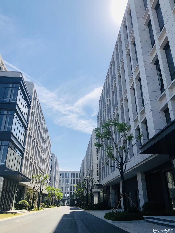 非中介独栋3层3500平厂房 可贷款7成 可住宿