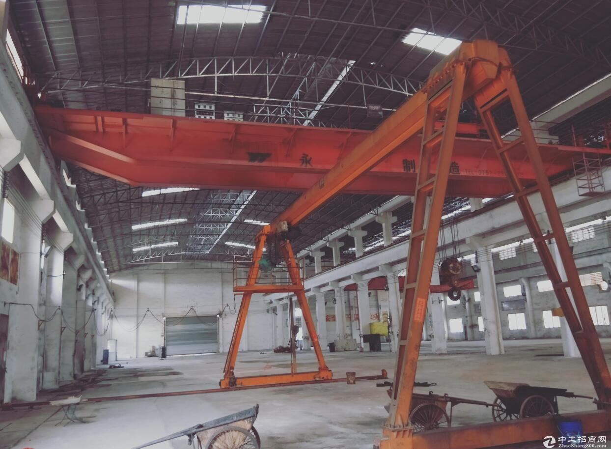 独院厂房4000平方米滴水10带6台10吨5吨行车出租
