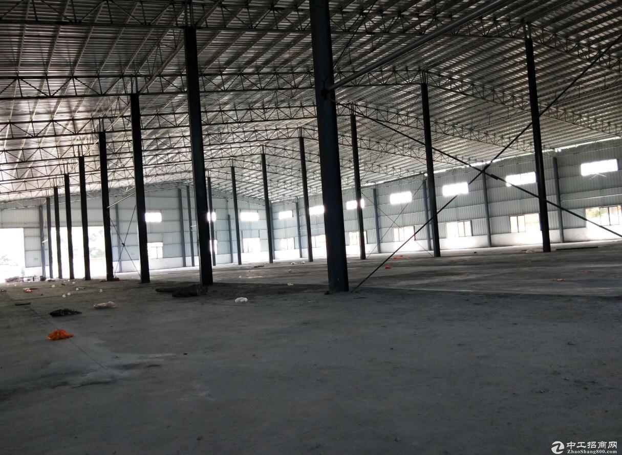 独门独院木门 夹板 厂房出租3500平方米