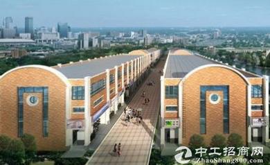 模具城加工区厂房 产证面积301平米。实用450平米