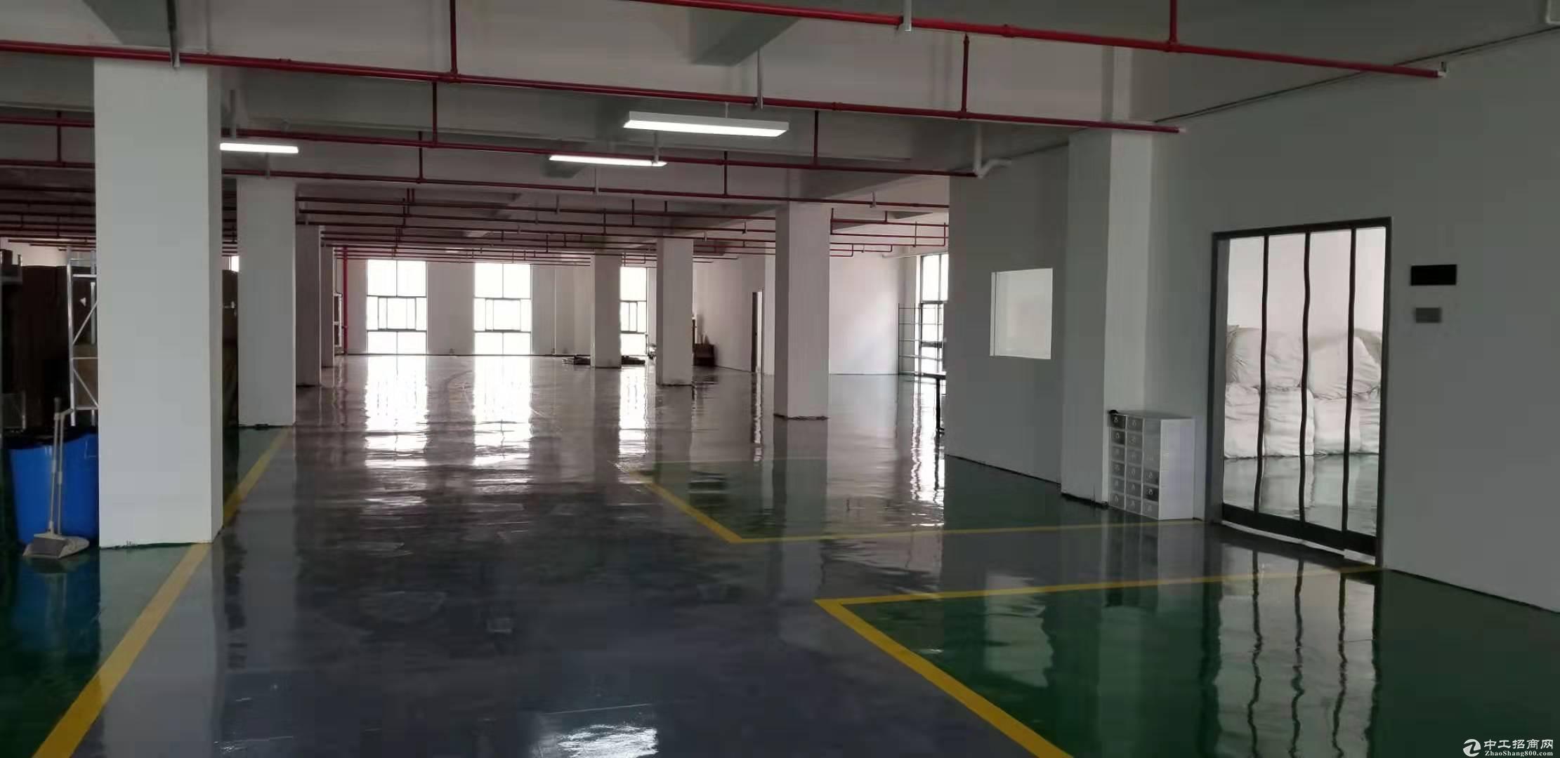 临平标准厂房出租1200方,交通便利,价格优