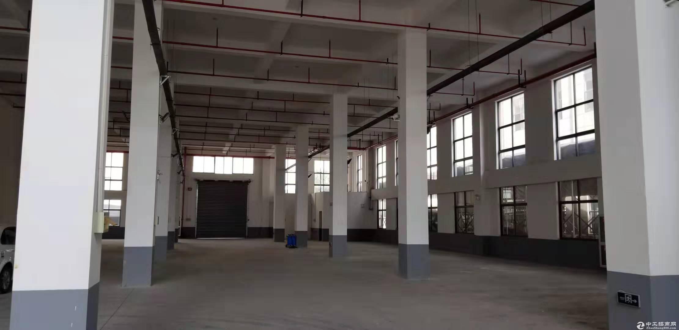 星桥标准厂房出租2000方,交通便利,价格优