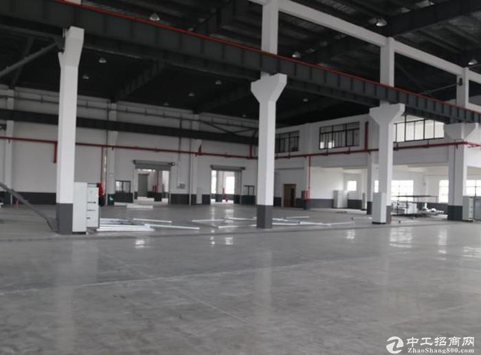独院陆家单层火车头厂房 总面积9500平米 可分租