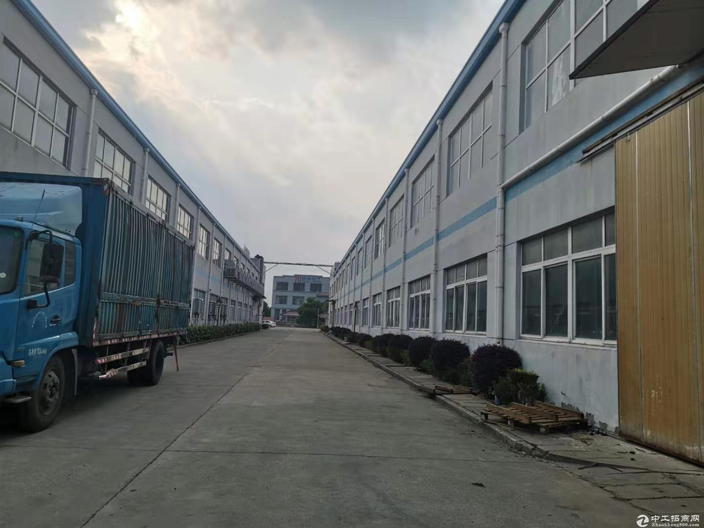张江南外环口,独栋火车头5400平,可分2700/1000平,厂房仓库,不限行业