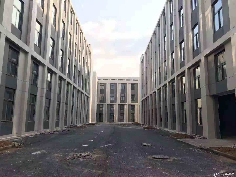 青岛胶州产业新区大产权标准厂房出售,双证齐全,可按揭