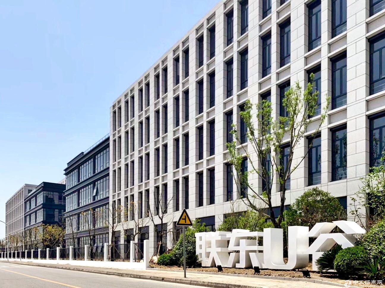 苏州昆山新建厂房出租,价格优惠含税,厂区形象好