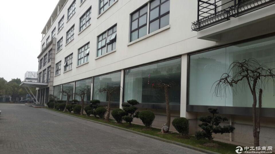 张江高科,生物化学,科技研发实验室,面积齐全,可办环评带上下水有排风橱窗