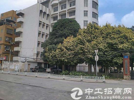 友爱北路整栋3200平方办公酒店招租停车位充足